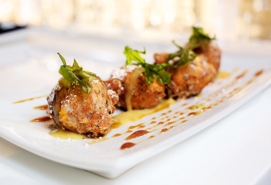 Indulge into New Orlean's Food Culture.