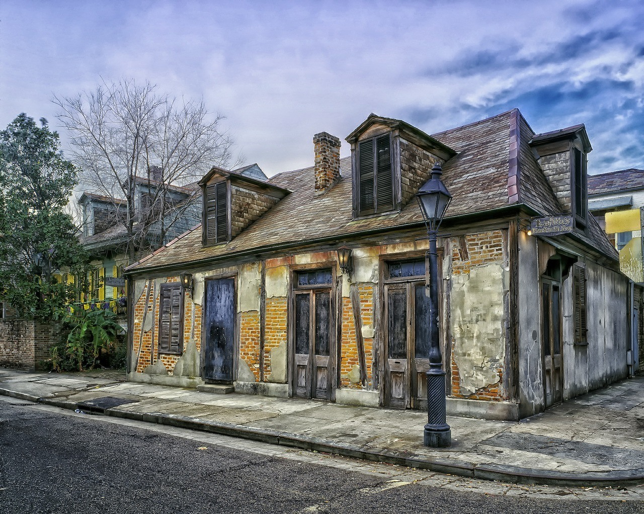 The oldest bars in the US, Lafitte's Blacksmith Shop.