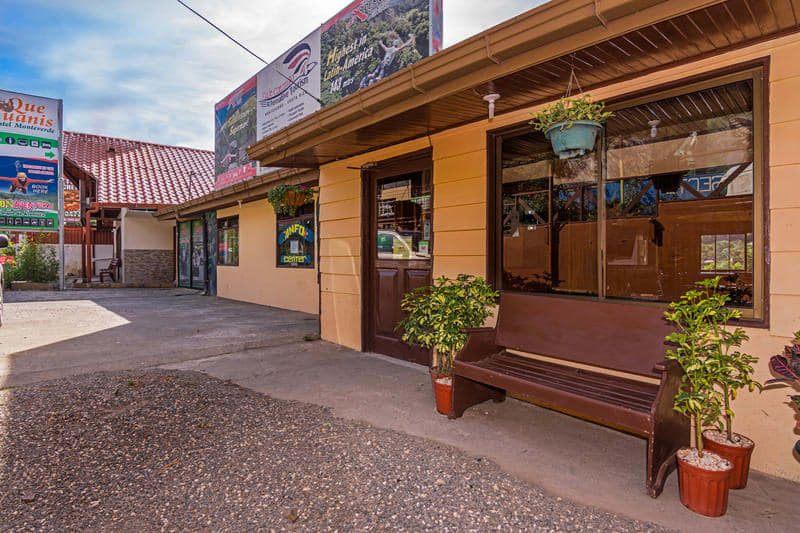 Que Tuanis best hostels in Monteverde