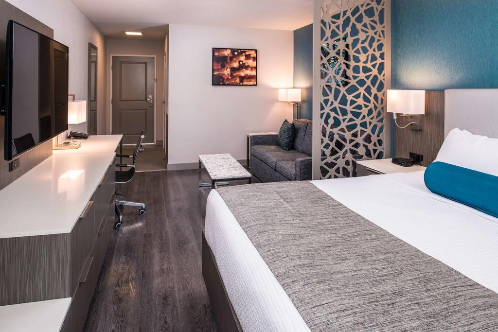Best Western Plus Temecula Wine Country Hotel & Suites, Temecula