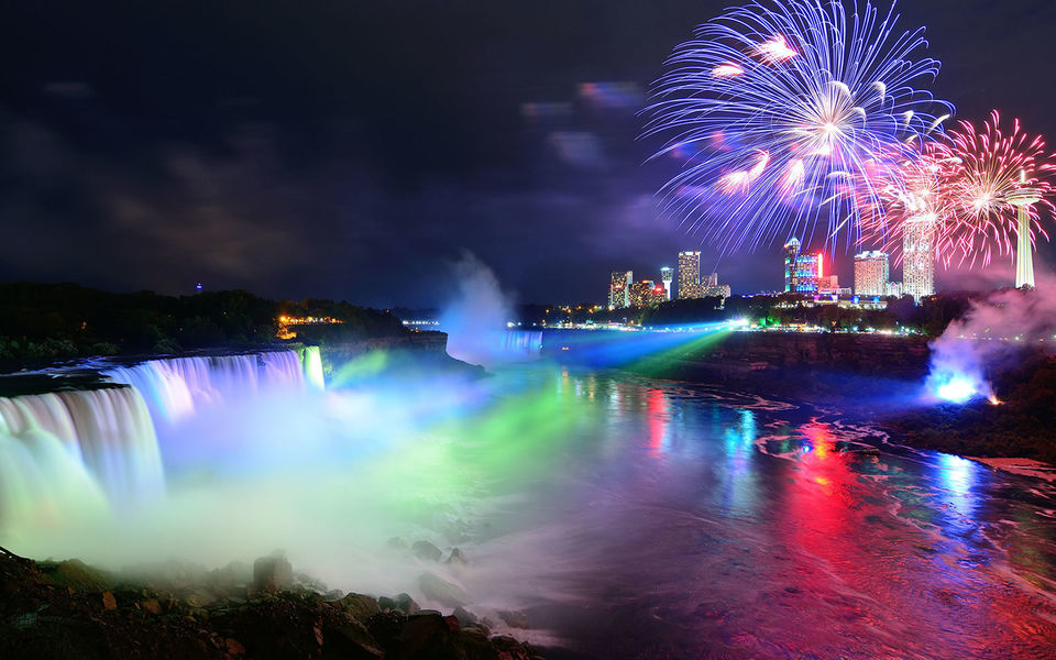 Niagara Falls Evening Tour with Boat Cruise in Toronto
