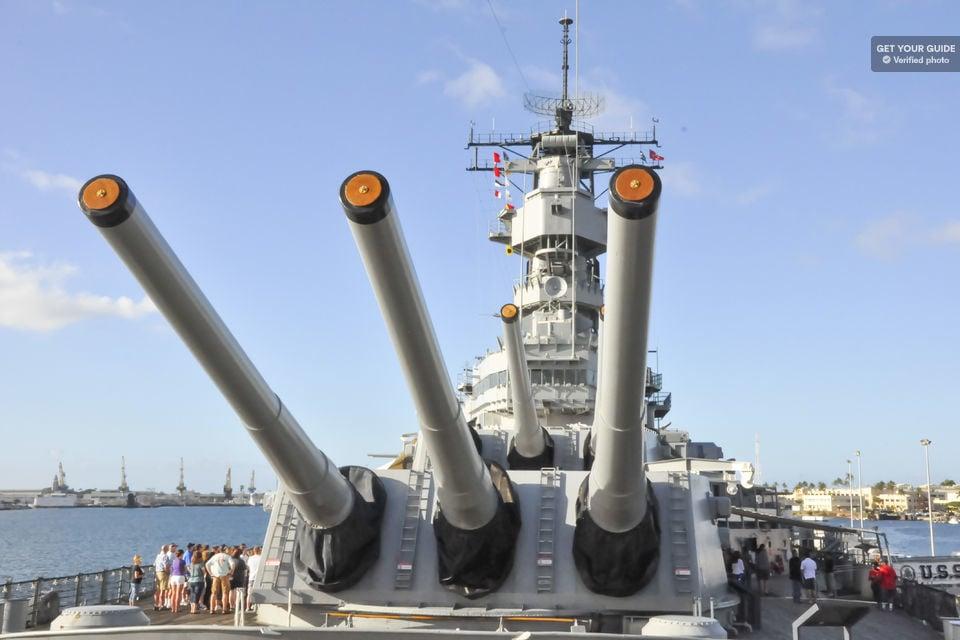 Island Hop to Oahu: Full-Day Pearl Harbor Memorial Tour