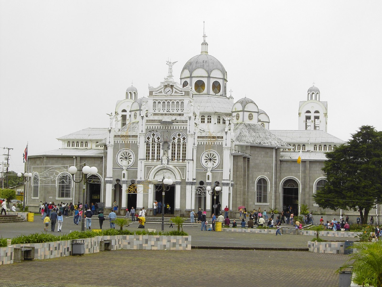 La Basilica de Nuestra Señora de los Ángeles