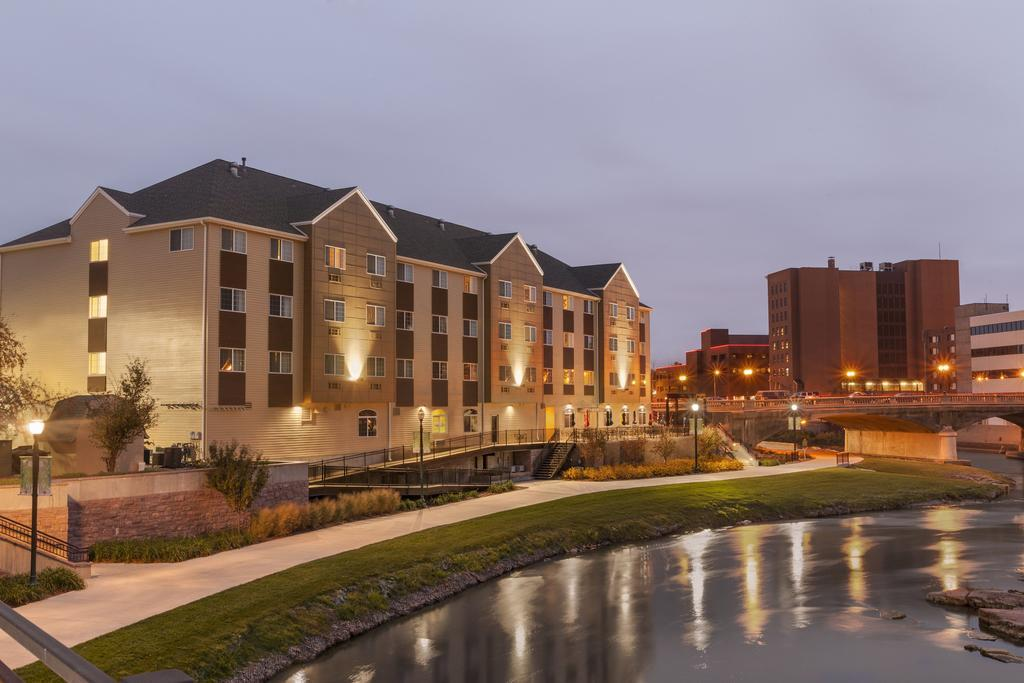 Country Inn & Suites, best hotel in sioux falls