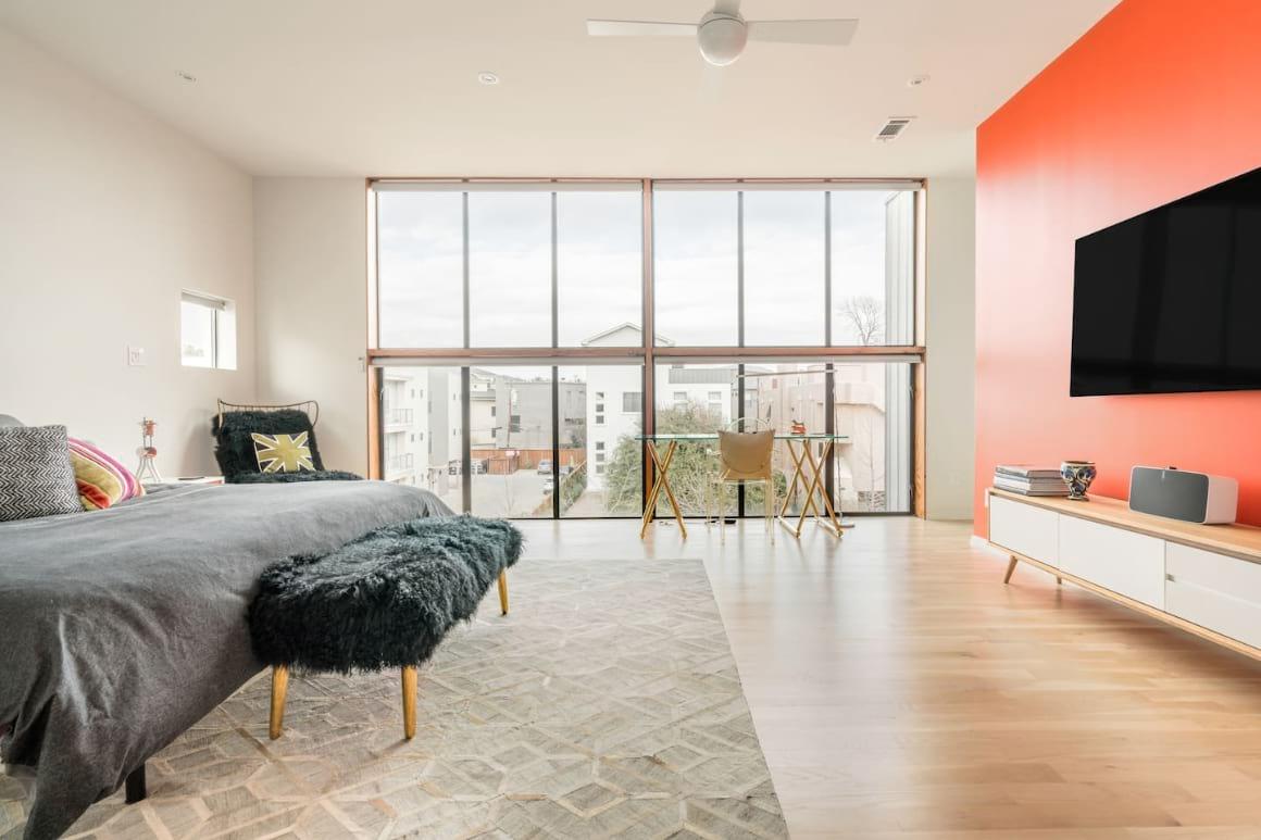 Alluring Contemporary Home Dallas