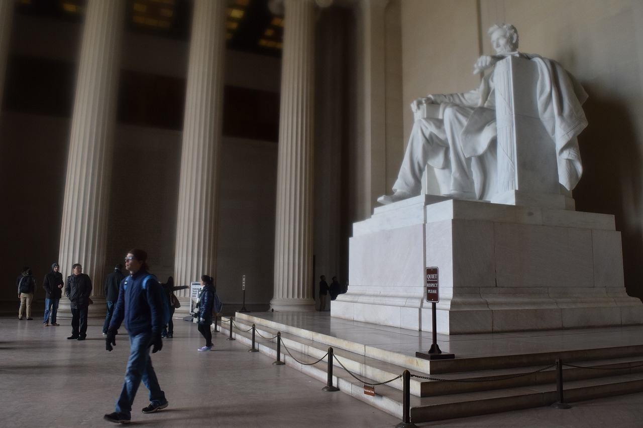 Marvel at the Lincoln Memorial Washington