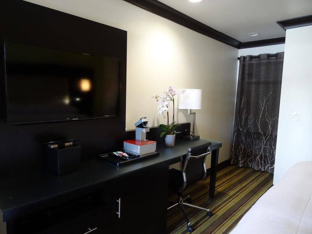 Hotel Azura, Santa Rosa, California