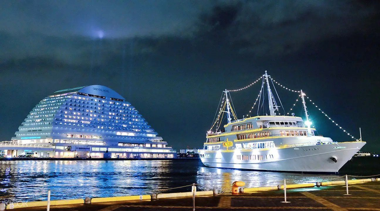 Romantic Deluxe Concerto Cruise in Kobe
