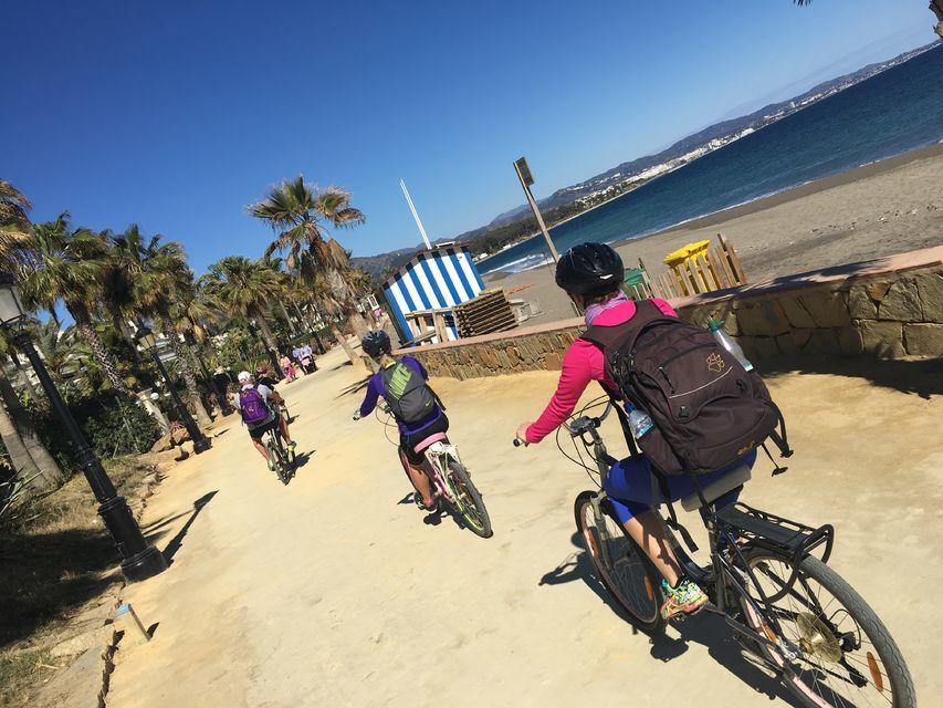 Cycle around Palmeral de las Sorpresas