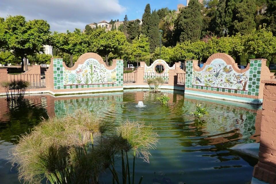 Stroll around Malaga Park