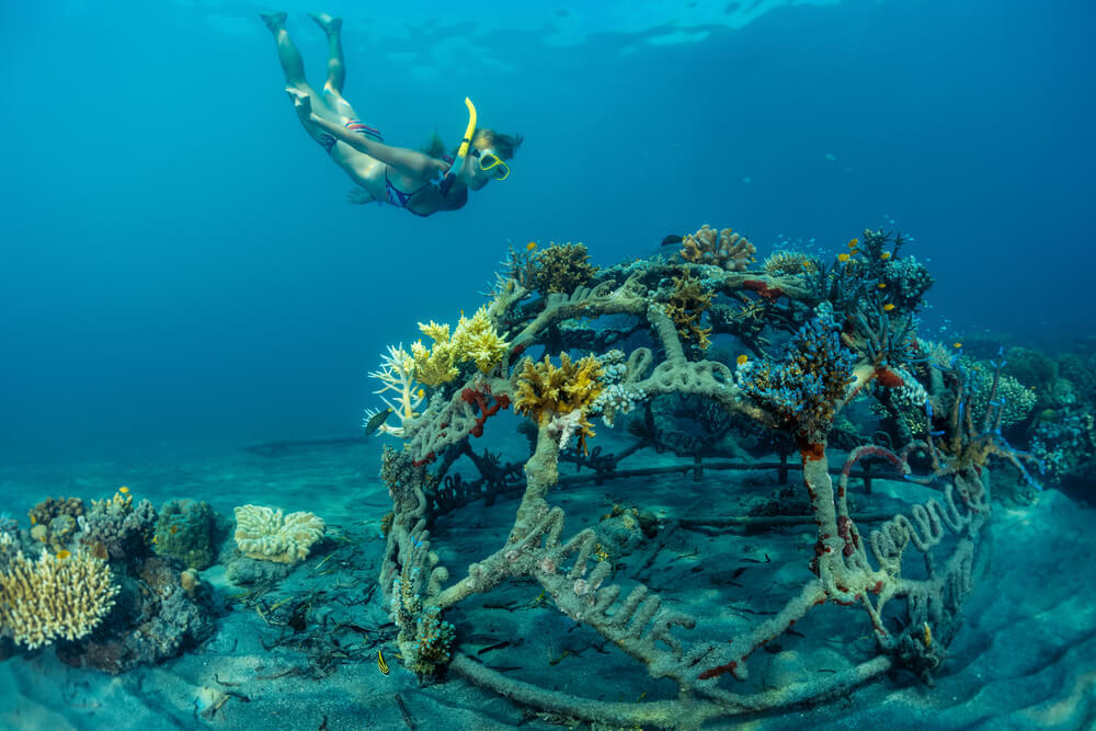 artificial reef scuba diving in bali