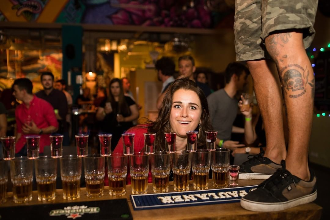 Pub crawl and nightlife in Tel Aviv