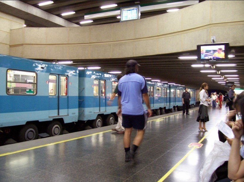 Is public transportation in Chile safe