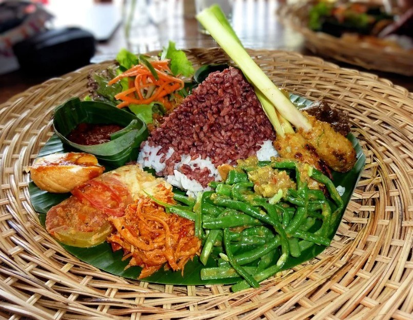 Is the food in Indonesia safe