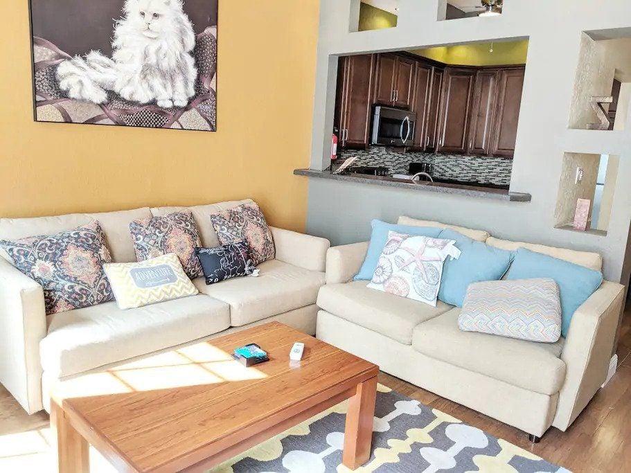 Luxurious High Rise Condominium