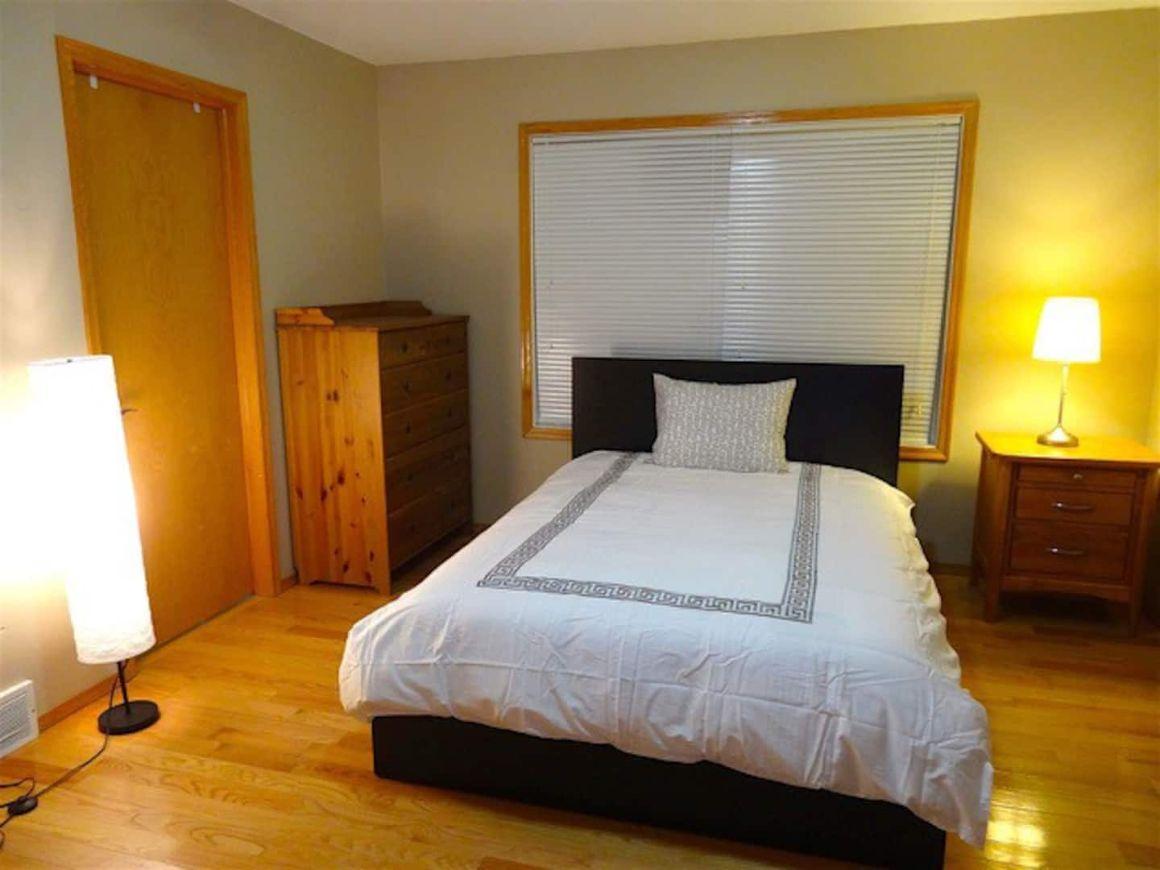 Private rooms in clean quiet homes Edmonton