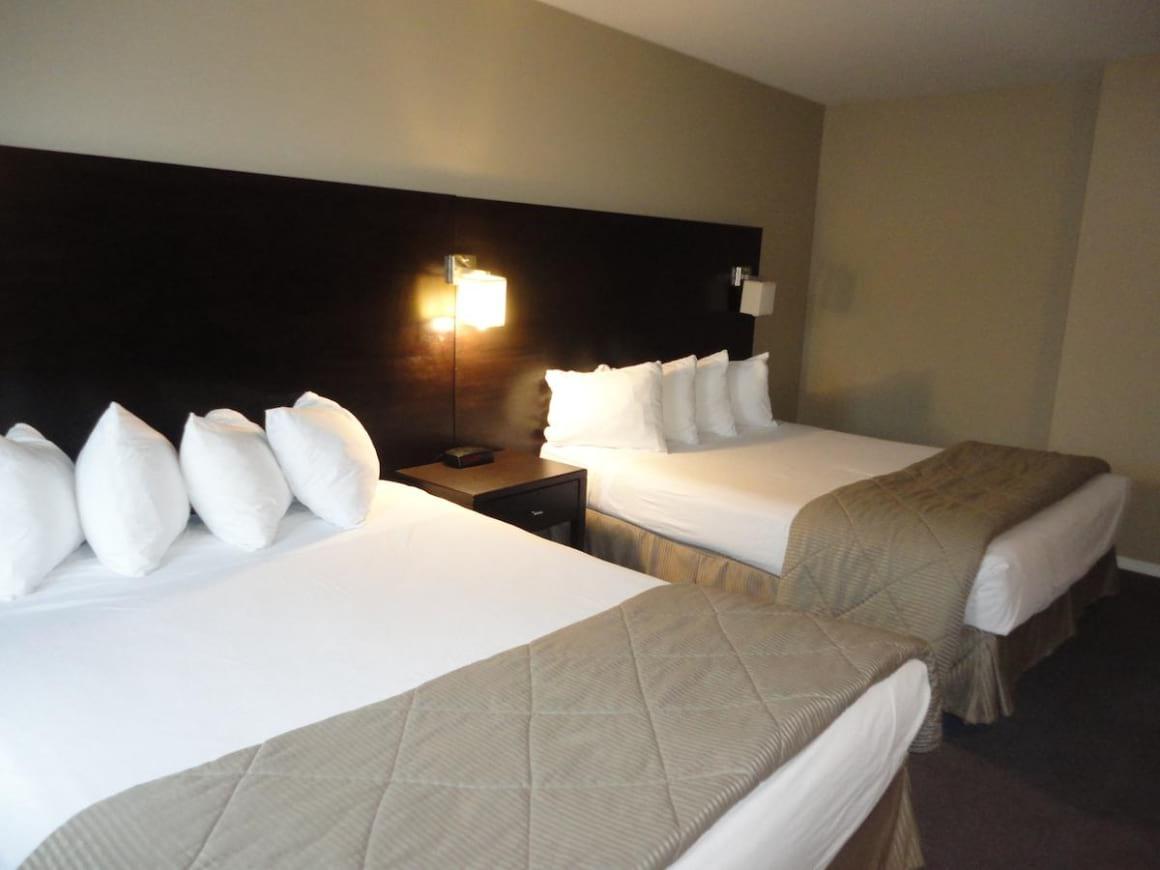 Super 8 by Wyndham West Kelowna BC Hotel
