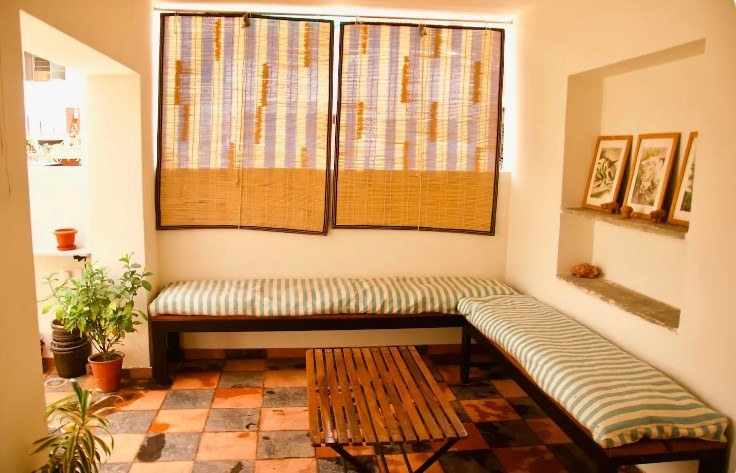 Turquoise Room Homestay with yoga, Jaipur