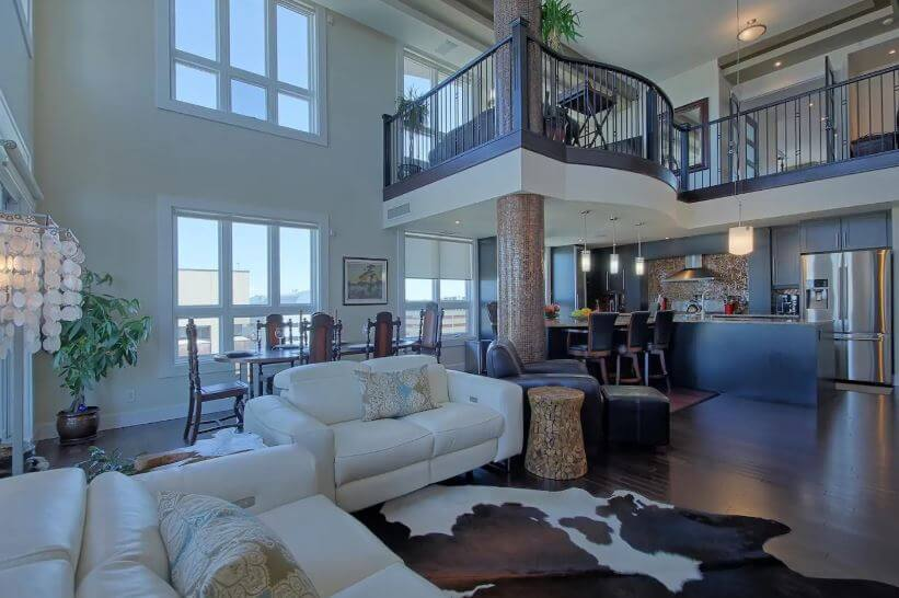 Two Storey Penthouse with Hot Tub