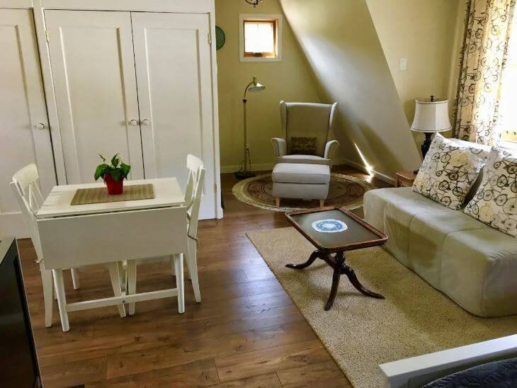Warm and Cosy Carriage House