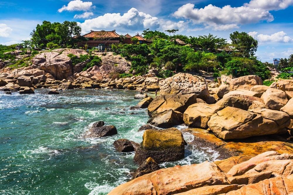 shutterstock - nha trang - Hon Chong Beach