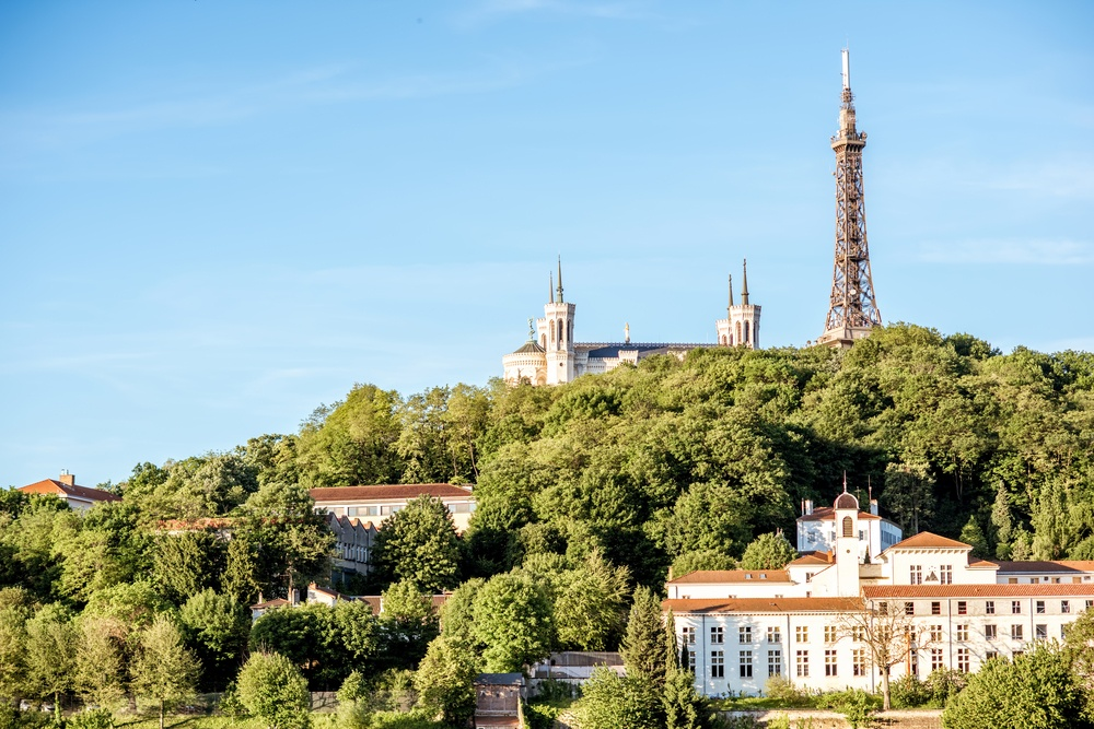 Take some snaps of the Metallic tower of Fourvière