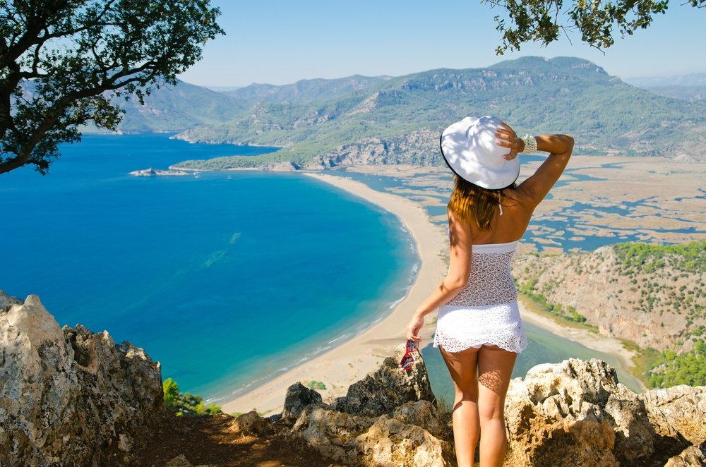Is Panama safe for solo female travellers?