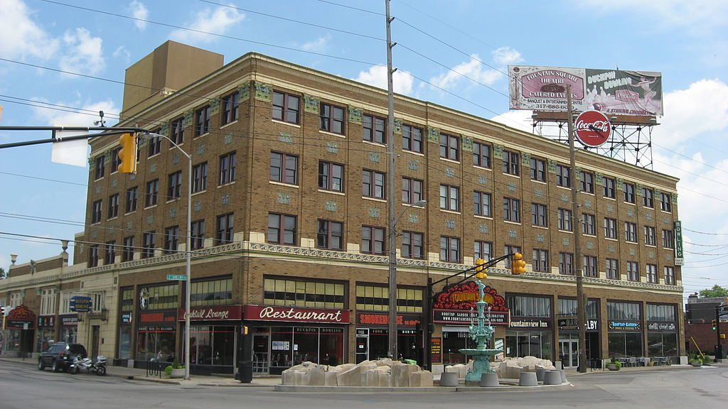 wikicommons - indianapolis - fountain square