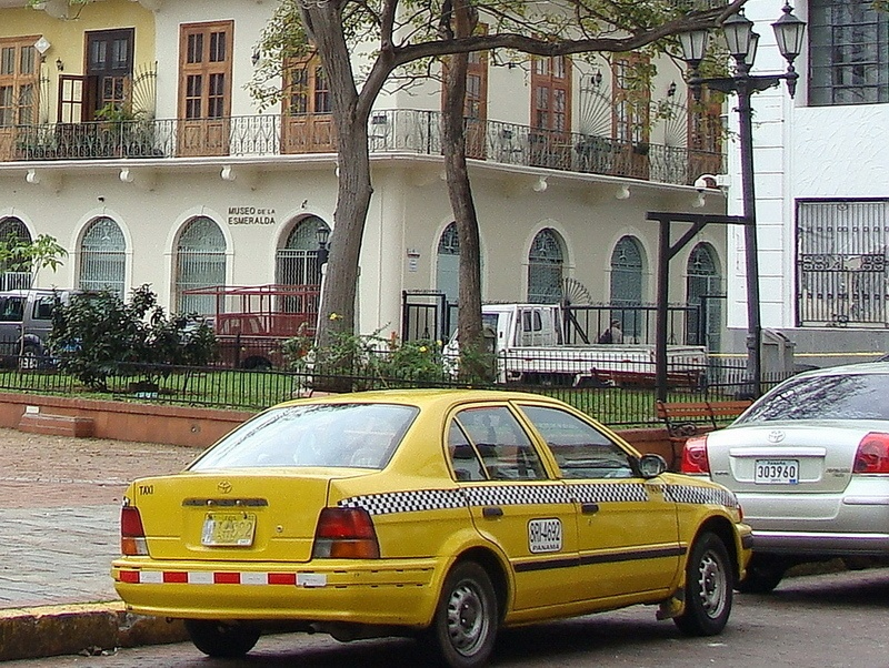 Are taxis safe in Panama?