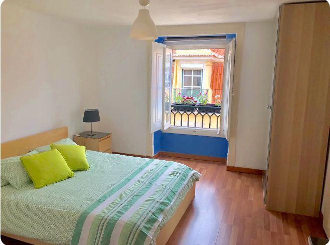 Central Downtown Lisbon Bedroom