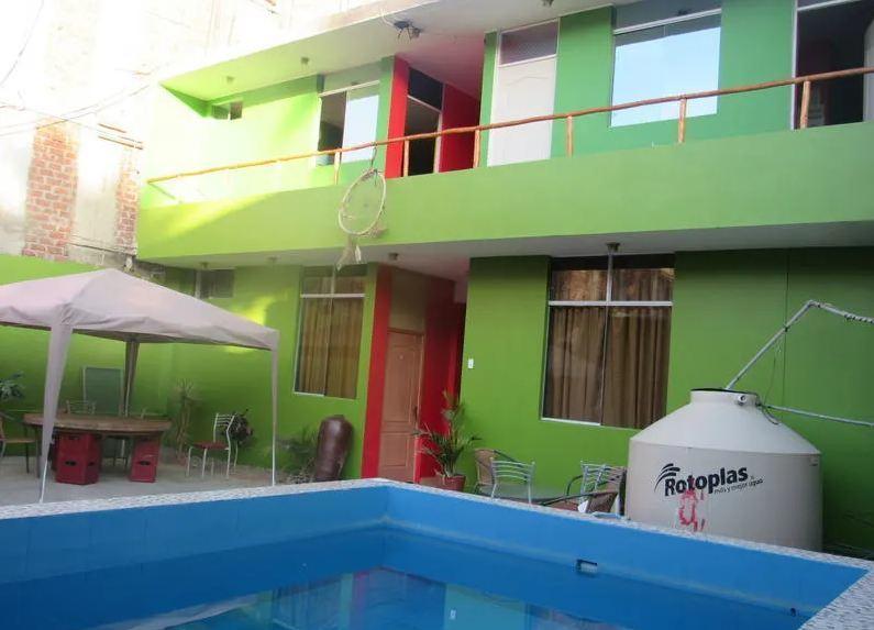 El Boulevard hostels in Huacachina