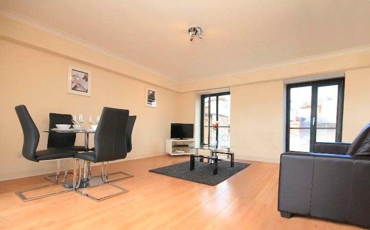 Large apartment by Grafton Street, Dublin