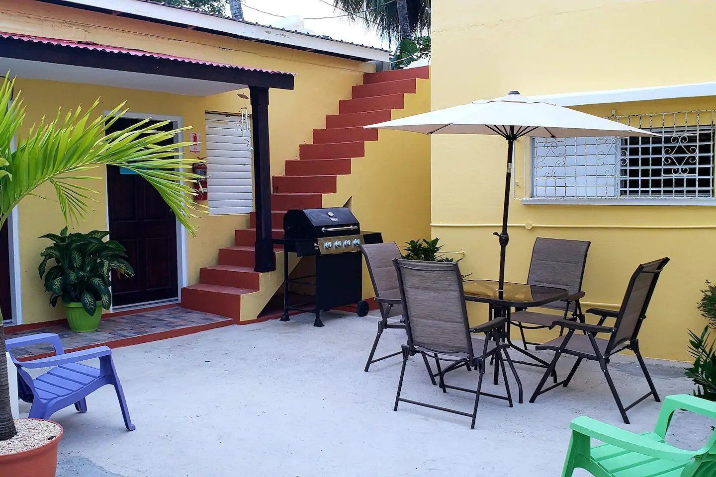 Sir Angel's Guesthouse (Airbnb)