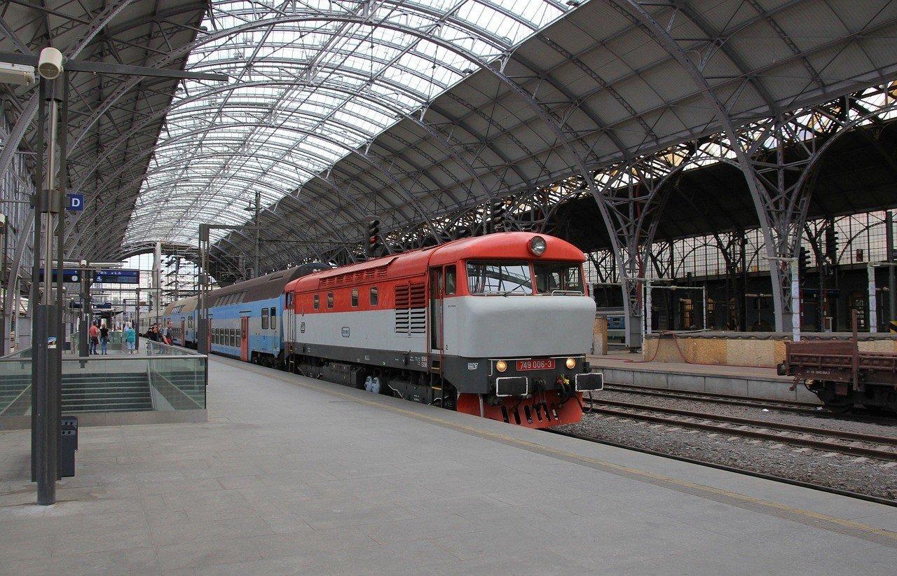 cheap train travel in Prague