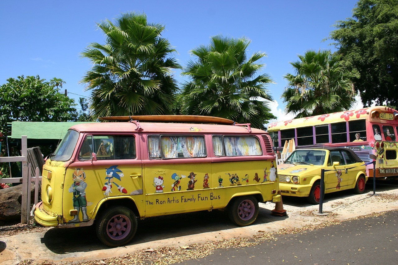 how to get around hawaii cheap