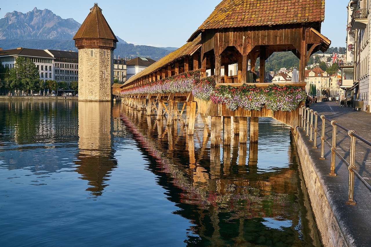 is Switzerland expensive to visit