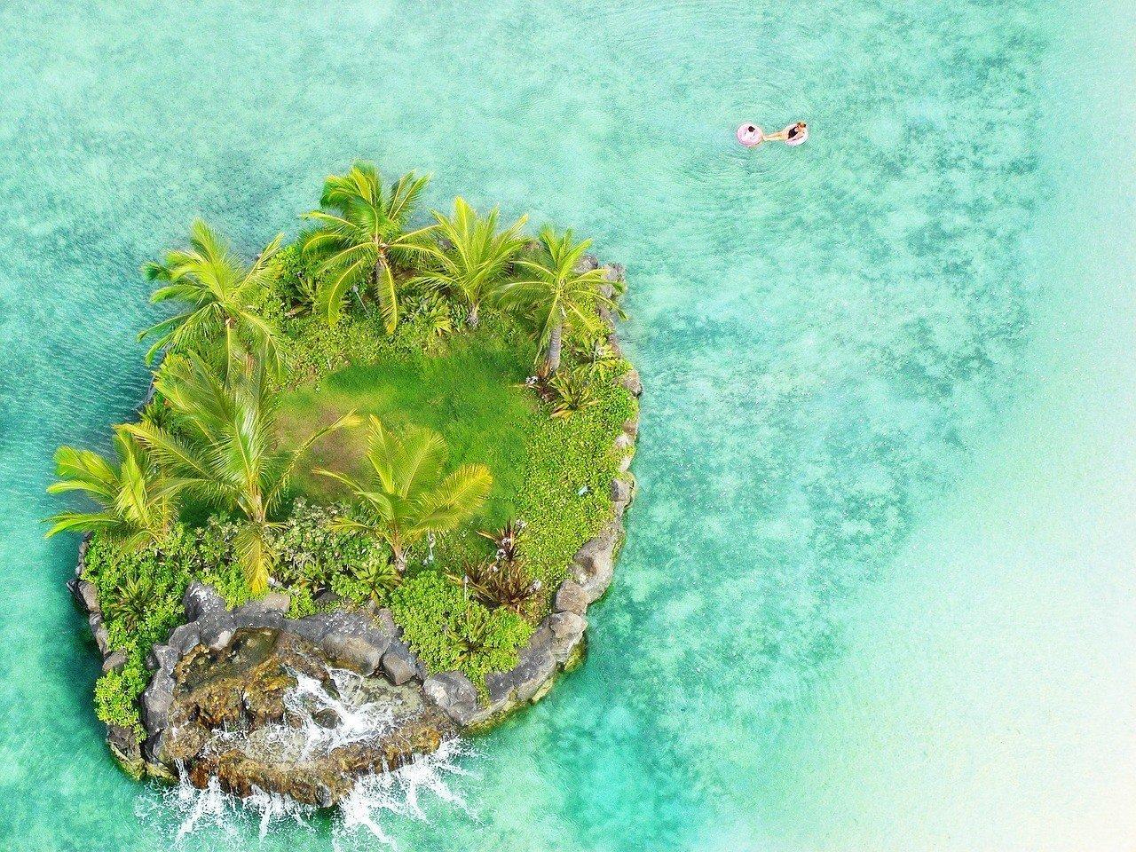 island hopping in hawaii
