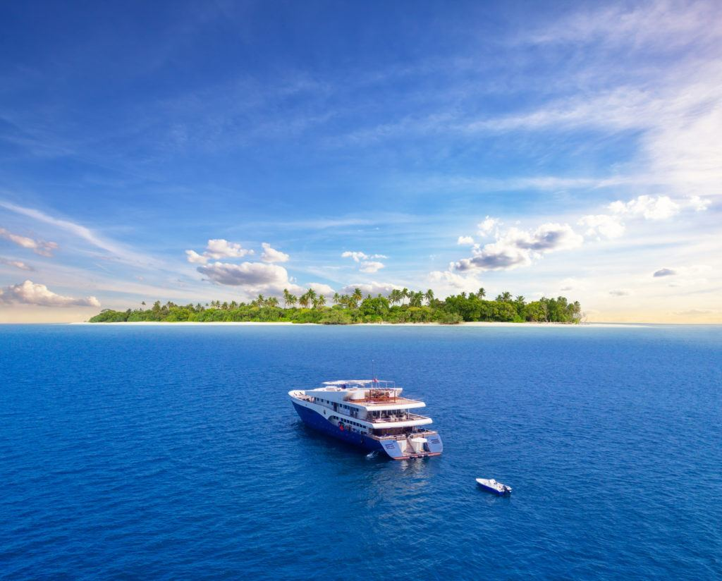 liveaboards in the maldives