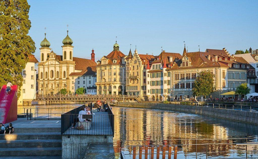 tips to save money in Switzerland