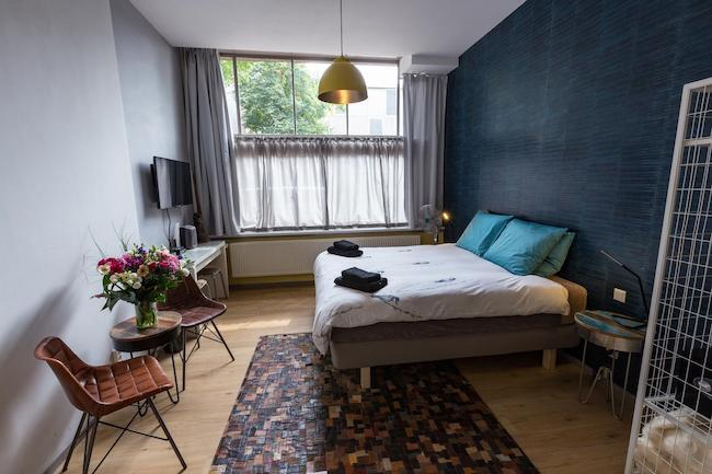 amsterdam art gallery bed and breakfast