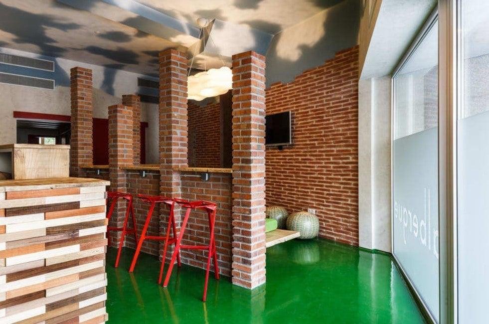 Blanco Albergue best hostel in Santiago de compostela