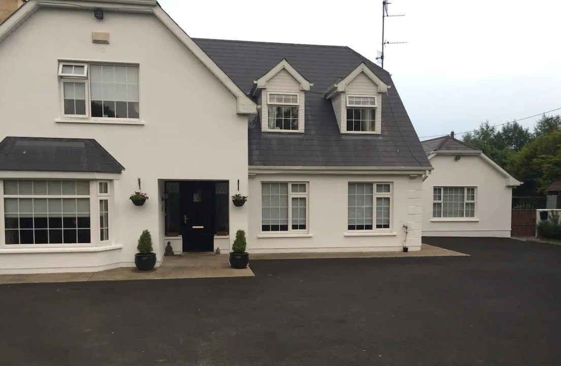 (Fionas BnB) best hostels in Limerick