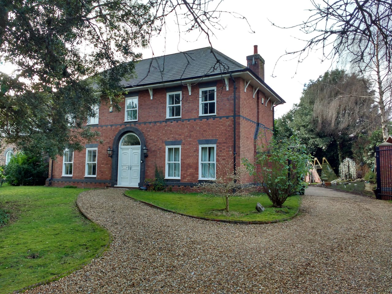 Holm Oaks Bed and Breakfast Liverpool