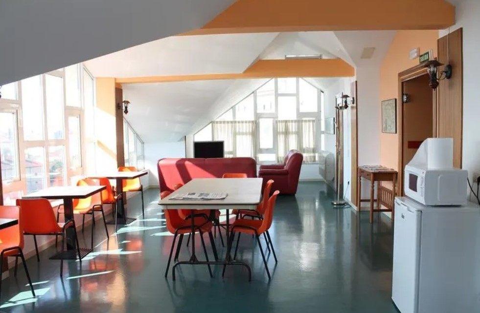 Hostal La Salle best hostel in Santiago de compostela