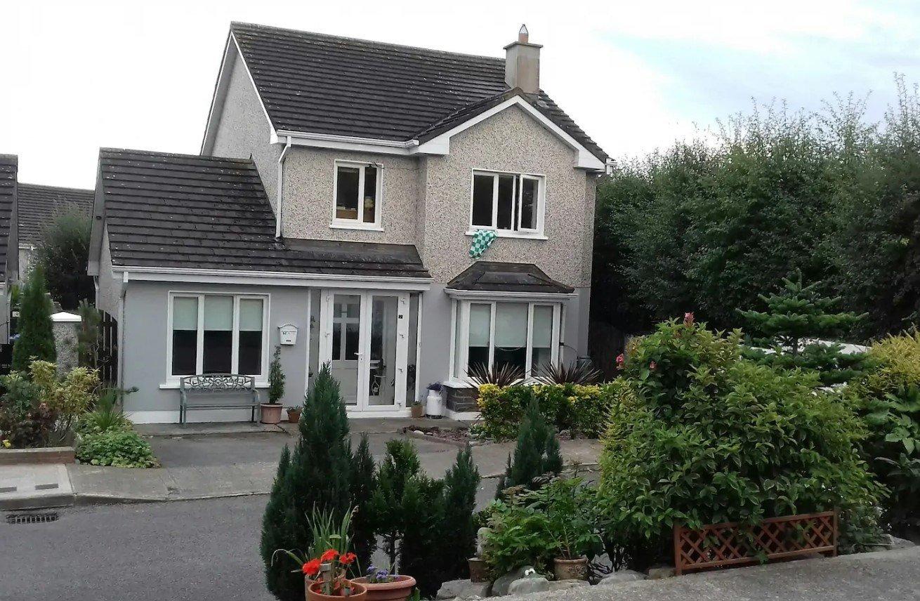 (Jeans BnB) best hostels in Limerick