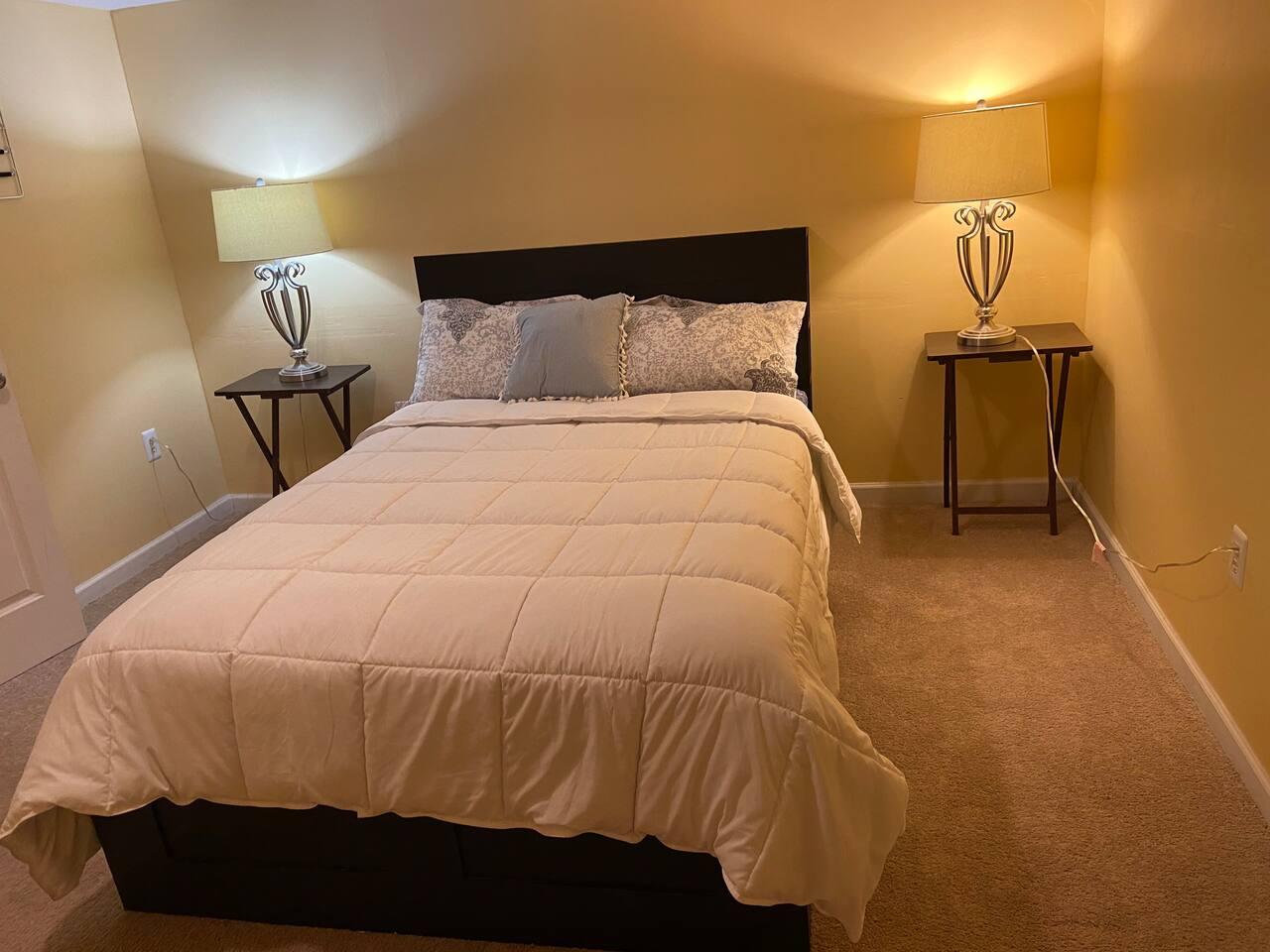 Spacious 2 Bedroom, queen beds
