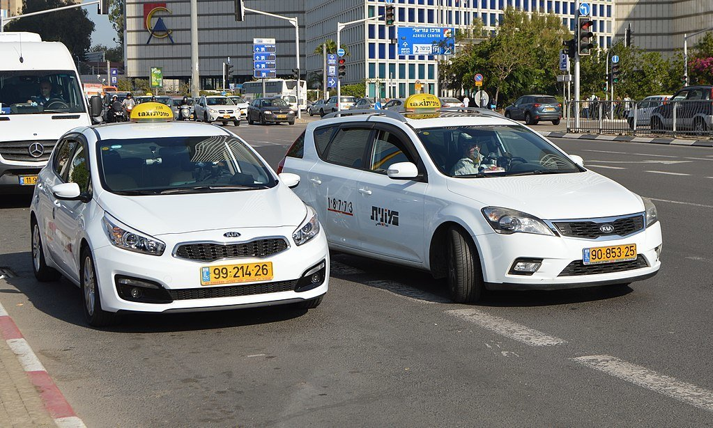 Are taxis safe in Tel Aviv