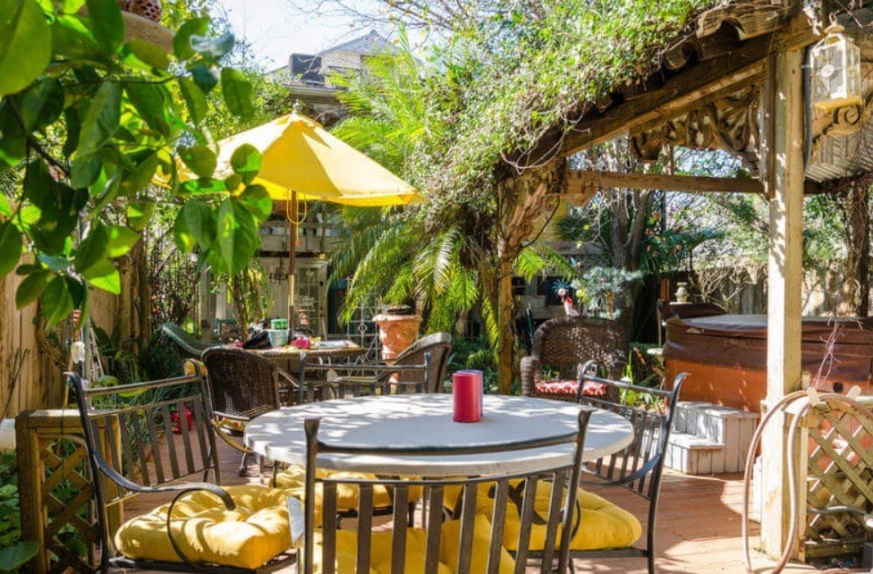An awesome American hostel for families and couples