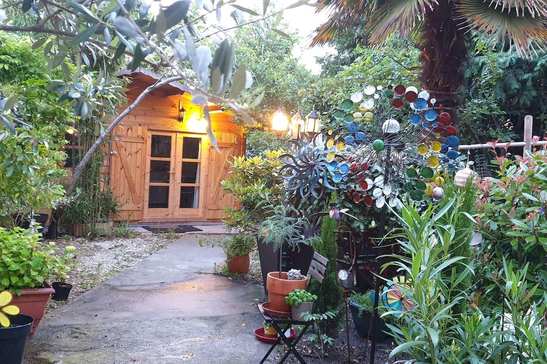 Artsy Garden Lodge