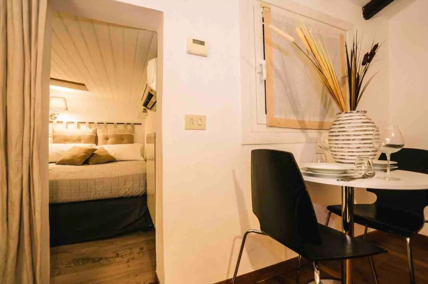 Budget Flat on Via MonteNapoleone